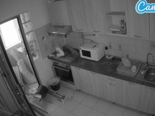 voyeurcam-reallife-kitchen