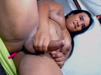 I am a very hot latin trans I like to throw my milk for you